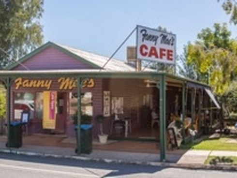 15 Arthur Street Tambo, QLD 4478