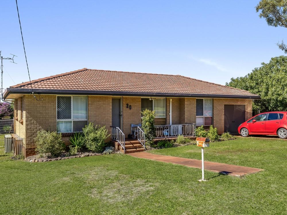 20 Platz Street Darling Heights, QLD 4350
