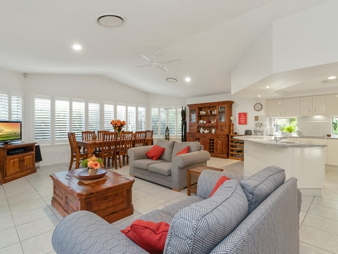 15 Brighton Parade Forest Lake, QLD 4078