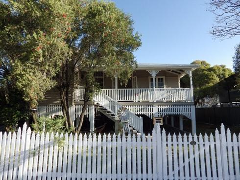 12 Lovell Street Roma, QLD 4455