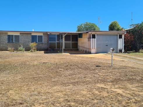 11 Cox Crescent Millbank, QLD 4670