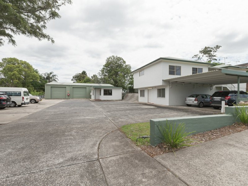 13 Barralong Road Erina, NSW 2250
