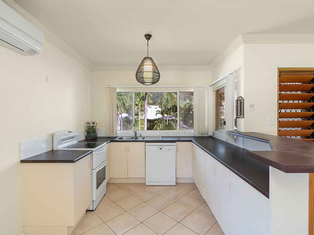 Apartment 5/30 Oliva Street Palm Cove, QLD 4879