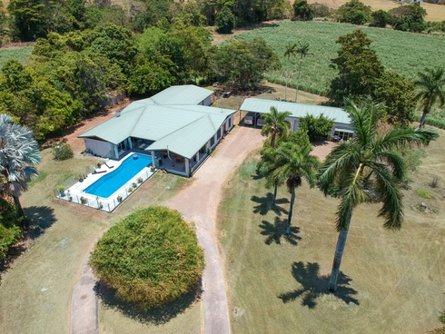 6133 Captain Cook Highway Port Douglas, QLD 4877