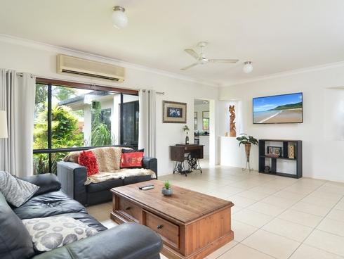 62 Cooya Beach Road Cooya Beach, QLD 4873