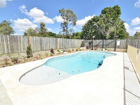 18 Kerr Road Kallangur, QLD 4503