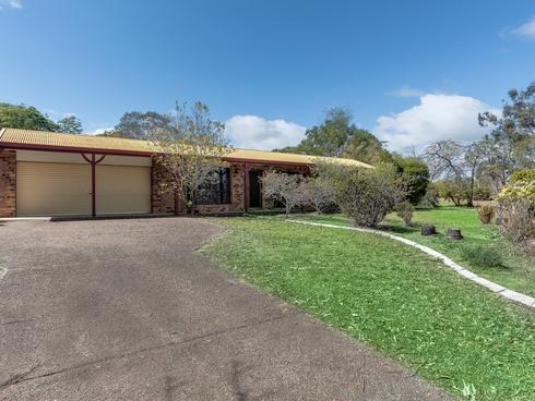 21 Farrell Drive Walloon, QLD 4306