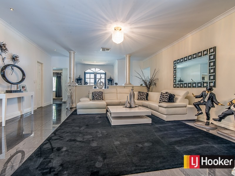 119 Southacre Drive Canning Vale, WA 6155