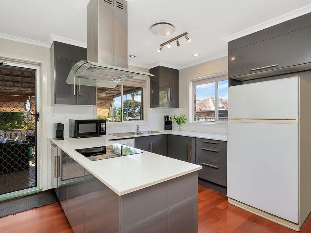 9 Kincaid Drive Highland Park, QLD 4211