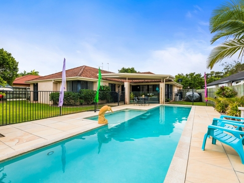 12 Watergum Place Twin Waters, QLD 4564