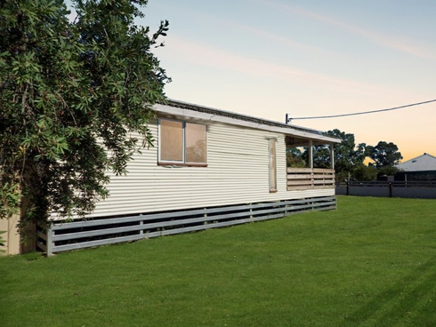 10 Rugby Street Mitchell, QLD 4465
