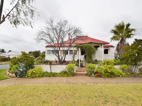 40 McLerie Street Young, NSW 2594