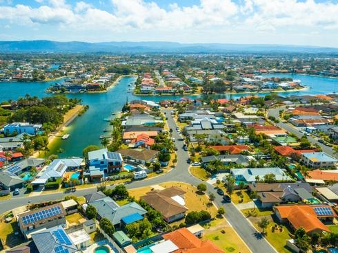 5 Peter Blondell Drive Mermaid Waters, QLD 4218