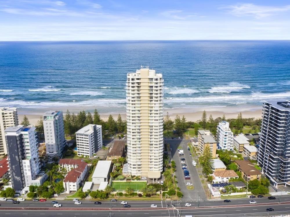 2C/3 Second Avenue Burleigh Heads, QLD 4220