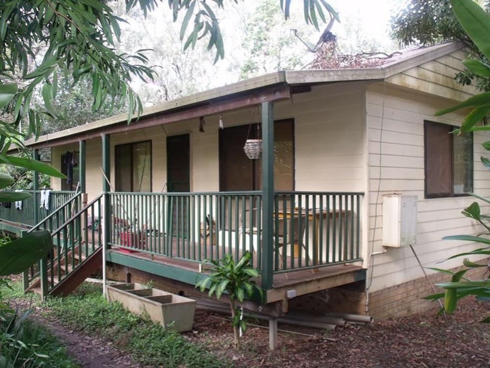 11 Wyena Avenue Lamb Island, QLD 4184