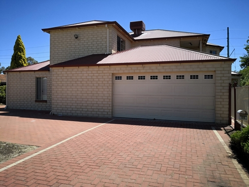 56 Gemini Way Carlisle, WA 6101