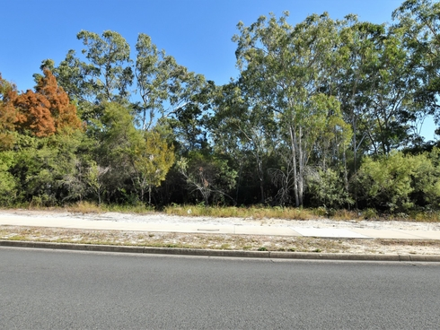 184 Centre Road Russell Island, QLD 4184