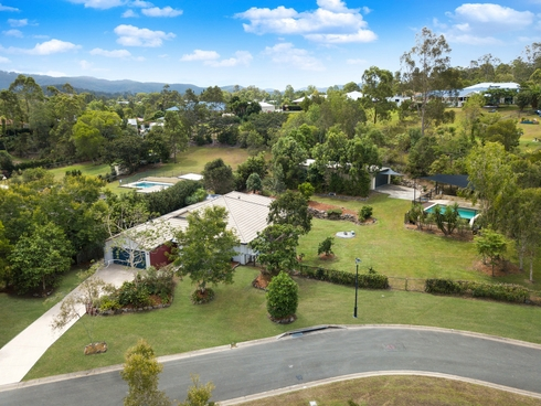 21 Pasture Place Mount Nathan, QLD 4211