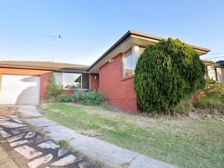 2 Dell Place Georges Hall , NSW, 2198