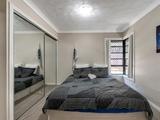 2/42 Hilltop Avenue Chermside, QLD 4032