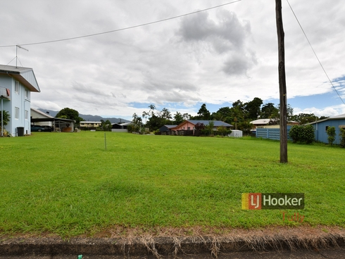 8 Henry Street Tully, QLD 4854