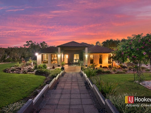 11 Harley Court Eatons Hill, QLD 4037