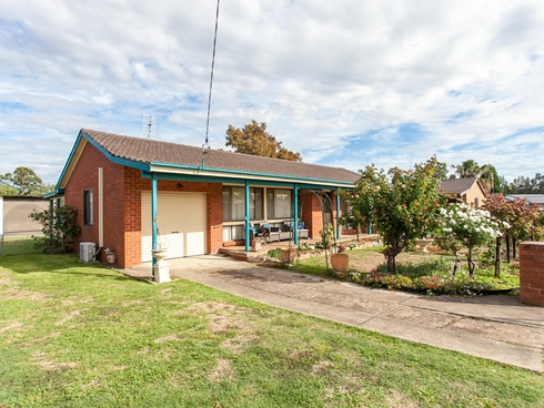 97 Macquarie Ave Cessnock, NSW 2325