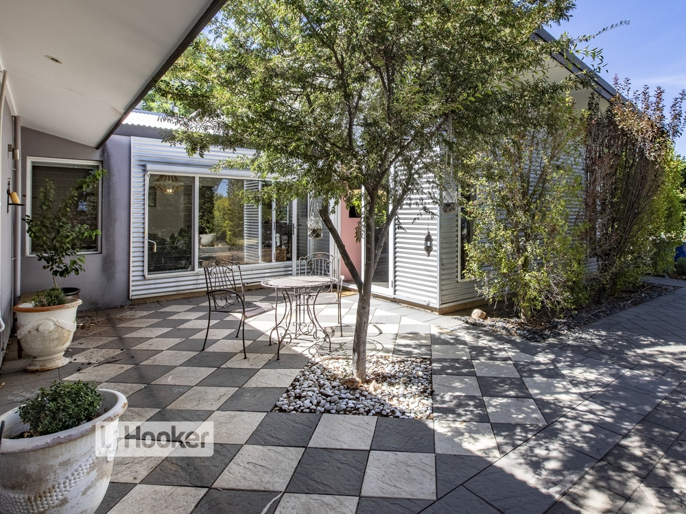 56 Giles Street East Side, NT 0870