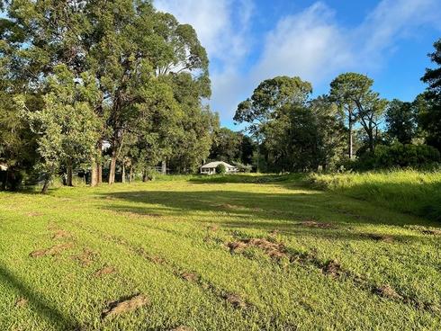 4 Daku Court Macleay Island, QLD 4184