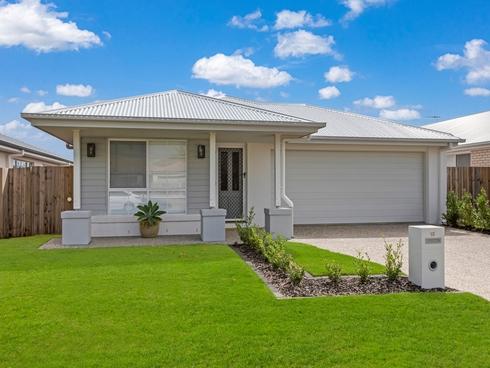 13 Moores Road Redland Bay, QLD 4165