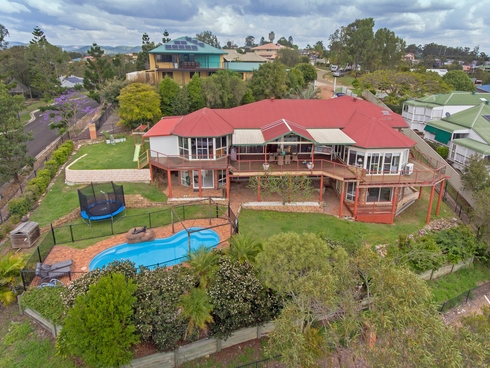 2 Valerie Close Edens Landing, QLD 4207