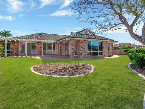 69 Dipper Drive Burleigh Waters, QLD 4220
