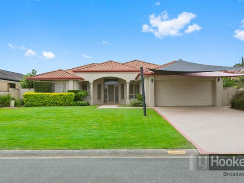13 Dallow Crescent Helensvale, QLD 4212