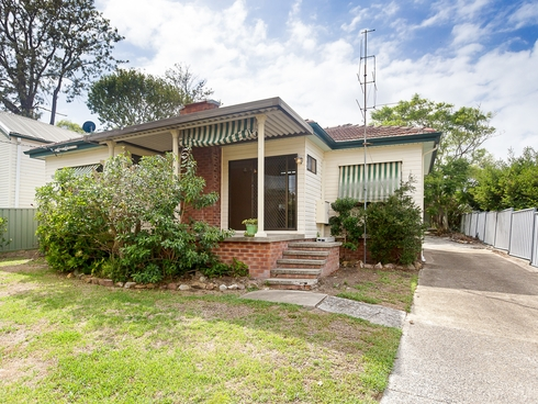 6 Lake Road Fennell Bay, NSW 2283