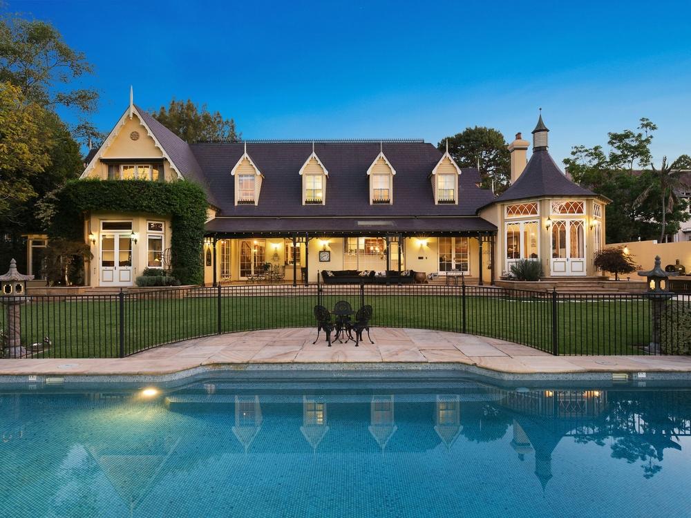 27 Pibrac Avenue Warrawee, NSW 2074