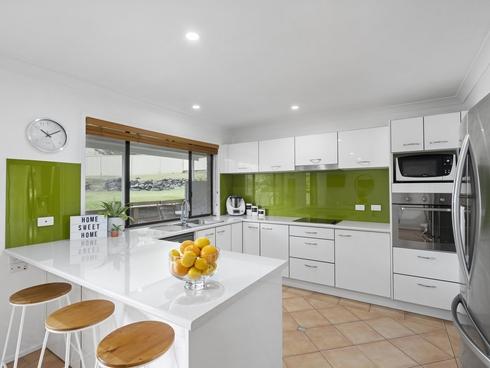 30 Balfour Crescent Highland Park, QLD 4211