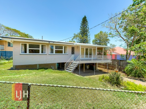 42 Landscape Street Stafford Heights, QLD 4053