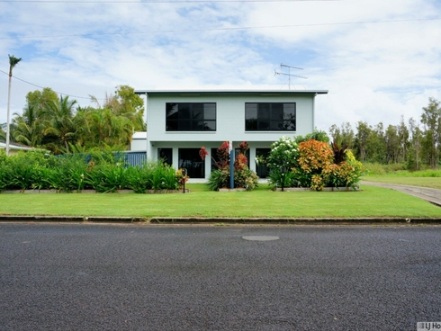 Unit 1-3/117 Taylor Street Tully Heads, QLD 4854
