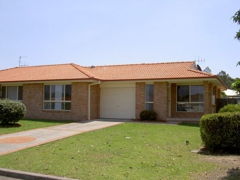 16 James Foster Drive Hallidays Point, NSW 2430
