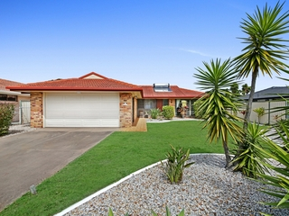 62 K P McGrath Drive Elanora , QLD, 4221