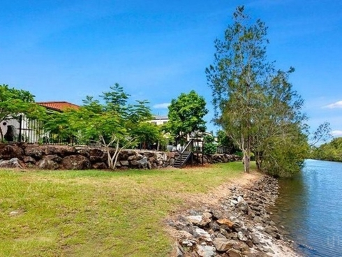 67 The Estuary Coombabah, QLD 4216