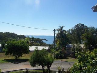 2 WOBUR ST Lamb Island , QLD, 4184