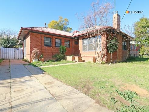 57 Heath Street Mount Austin, NSW 2650