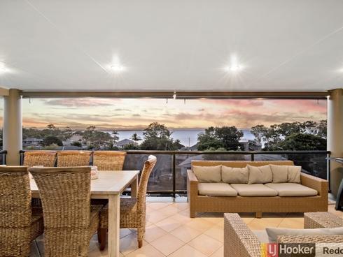 24 Fernlea Avenue Scarborough, QLD 4020