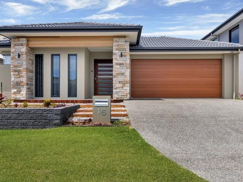 16 Parkside Avenue Arundel, QLD 4214