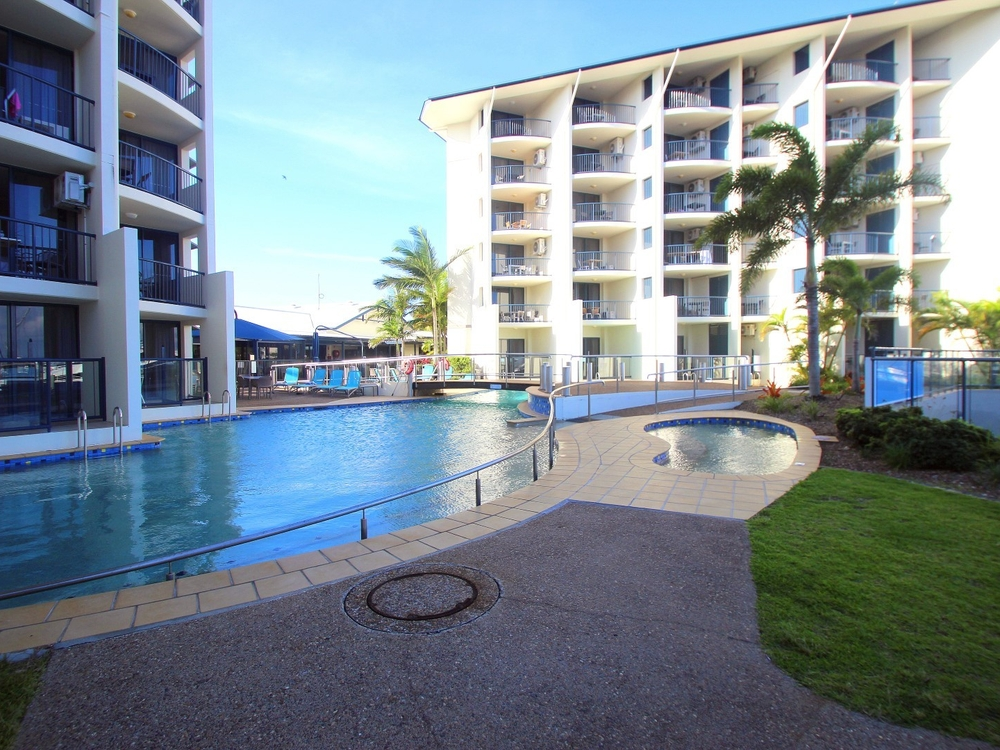 Unit 330 & 331/Mantra Resort, Buccaneer Drive Urangan, QLD 4655