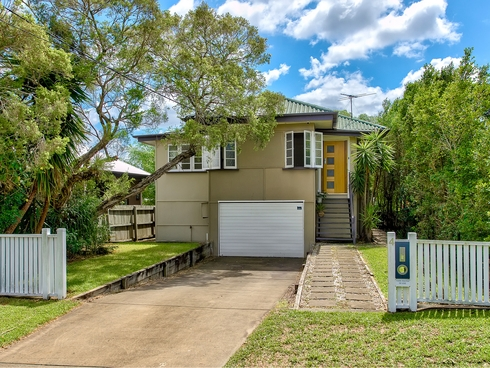 4 Thirteenth Avenue Kedron, QLD 4031