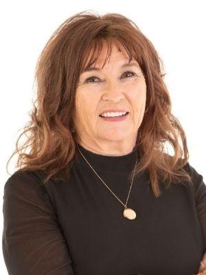Pamela Thackray profile image