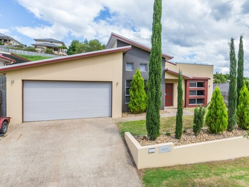 19 Bimberi Row Pacific Pines, QLD 4211