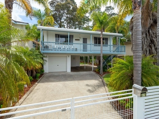 27 Timbara Crescent Surfside , NSW, 2536